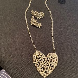 Brighton Daisy love earrings and Ne llave Set